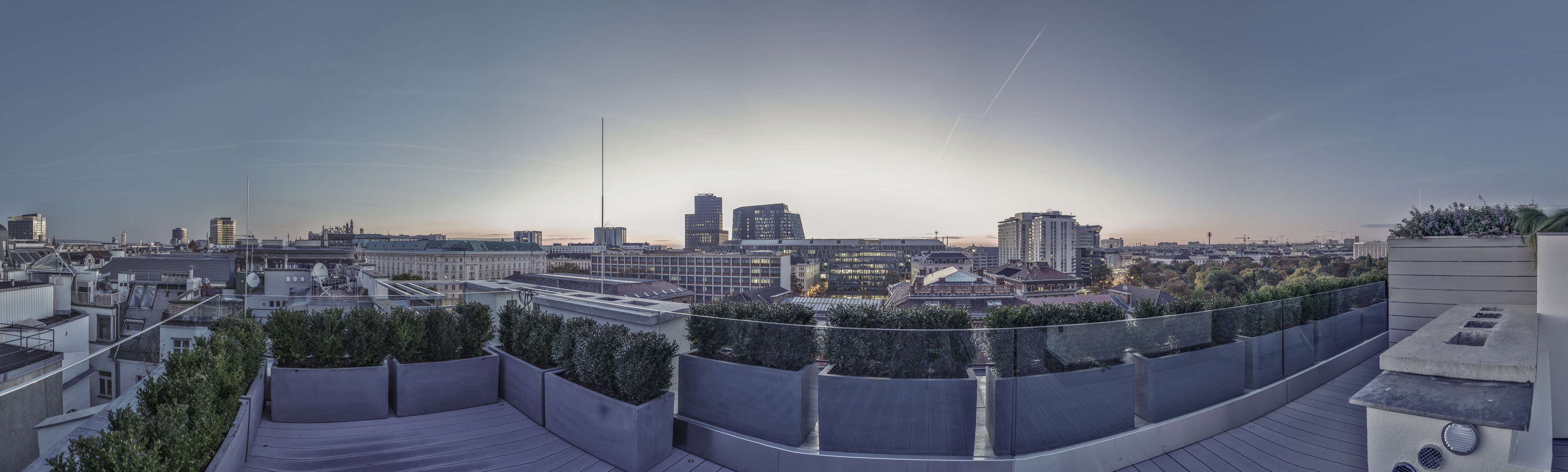 Appartement pour l Vente à Fascinating 2 Bed Penthouse Vienna, Vienna, 1010 Austria