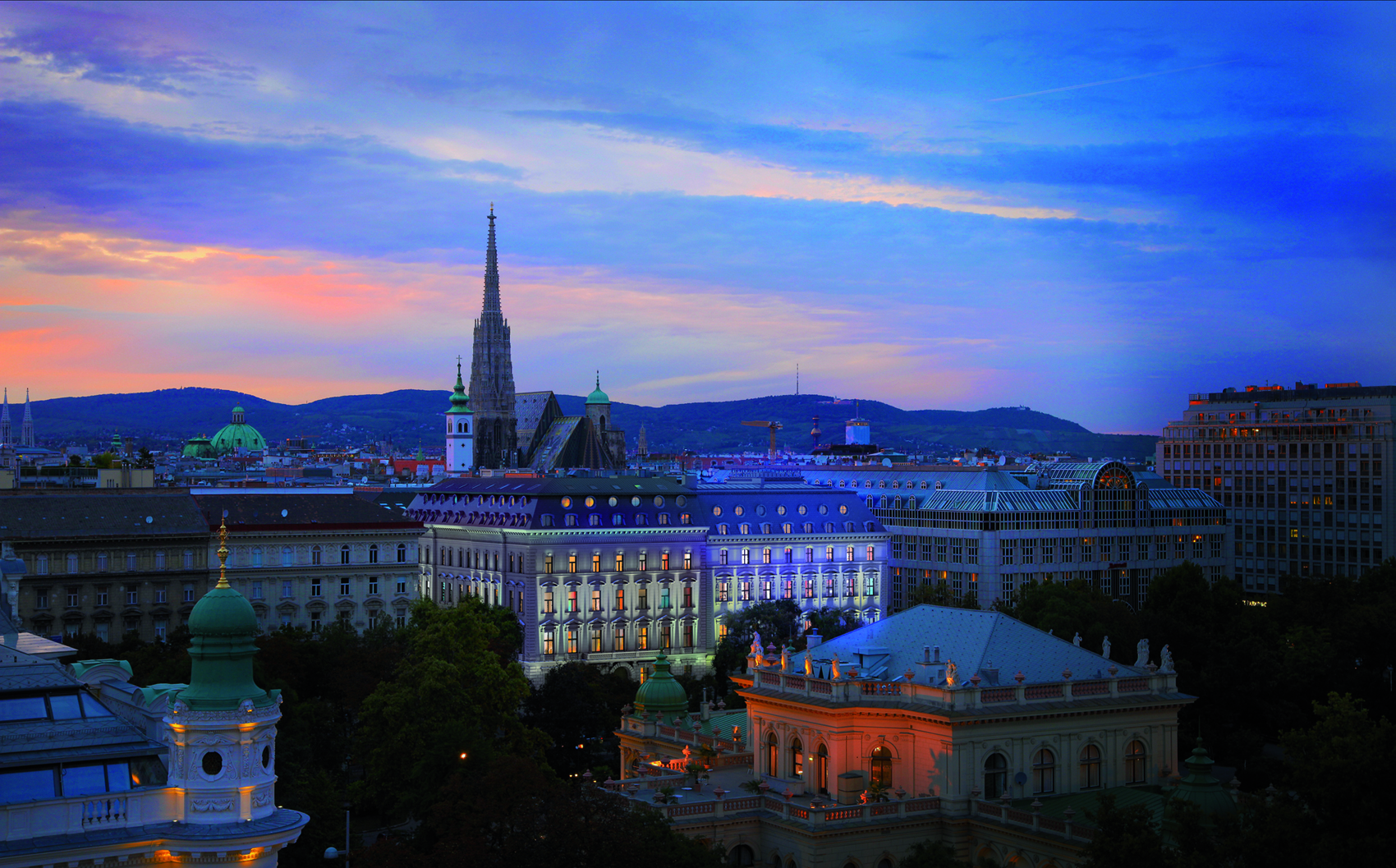 Terrain pour l Vente à Palais Residence in the heart of Vienna opposite to the City Park Vienna, Vienna, 1010 Austria