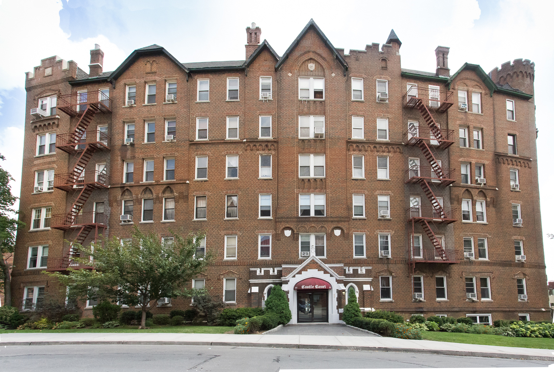 "Co-op for Sale at ""CASTLE ON A HILL"" 83-55 Lefferts Blvd. Apt. 5C Kew Gardens, New York 11415 United States"