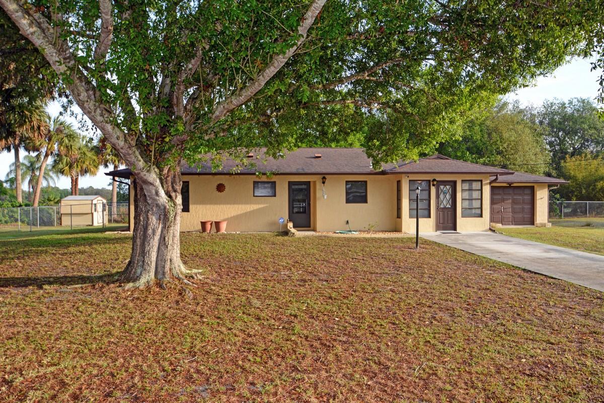 단독 가정 주택 용 매매 에 Affordable and Adorable! 4990 63rd Place Vero Beach, 플로리다, 32967 미국