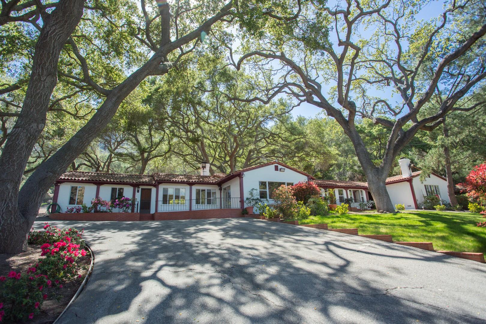 Casa Unifamiliar por un Venta en Hidden Valley Road 1688 Hidden Valley Road Thousand Oaks, California 91361 Estados Unidos