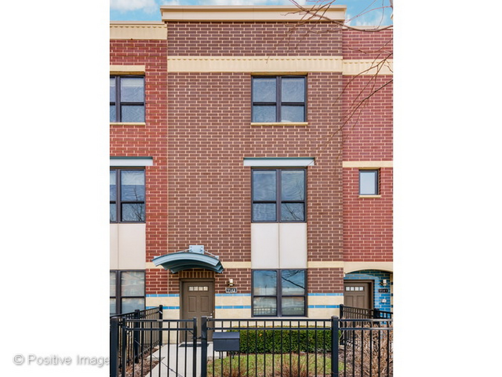 Konak için Satış at Fabulous Three Level Townhome 1143 N Cambridge Avenue Unit 14-106 Chicago, Illinois, 60610 Amerika Birleşik Devletleri