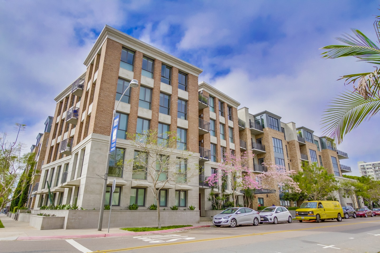Condominio por un Alquiler en 845 Fort Stockton Drive, 311 San Diego, California 92103 Estados Unidos