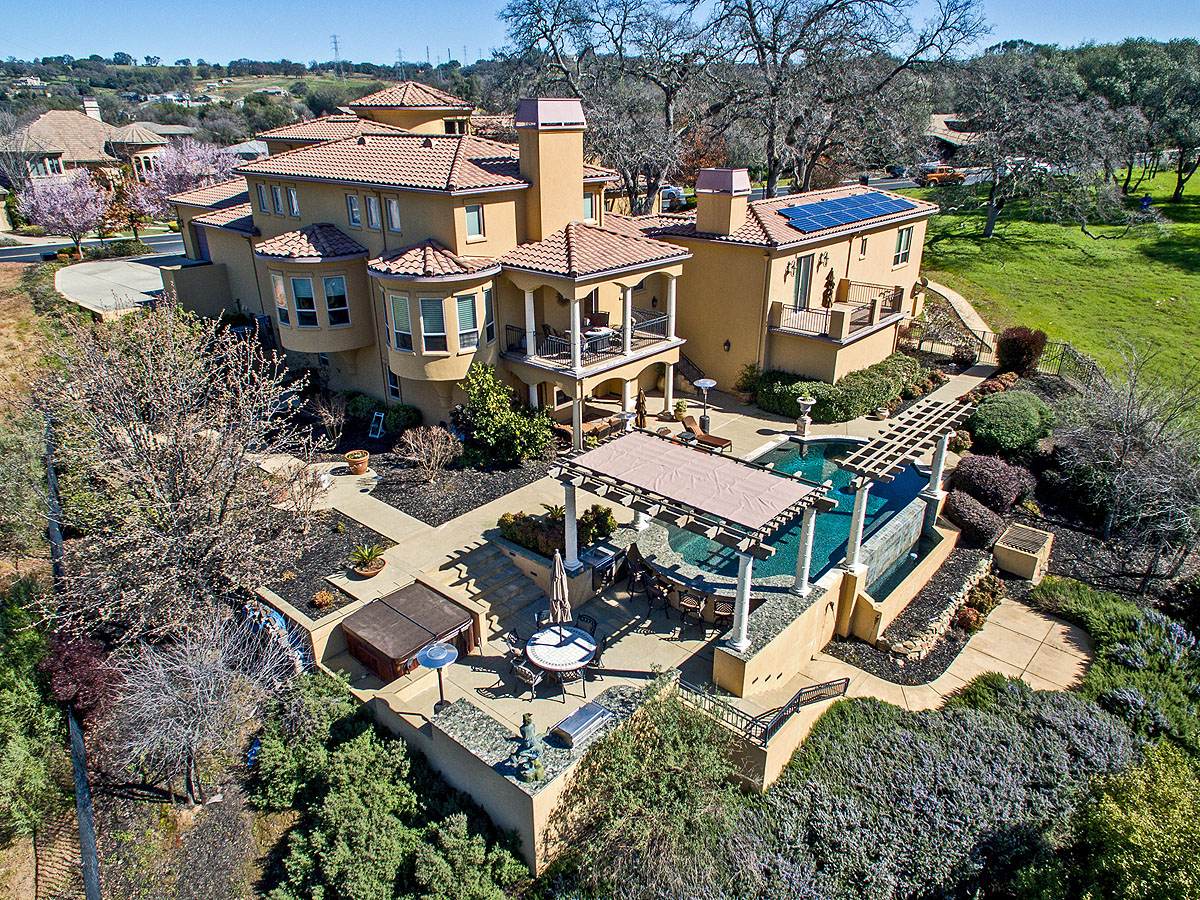 Single Family Home for Sale at Luxury Golf Course Estate 7604 Sangiovese Drive El Dorado Hills, California 95762 United States