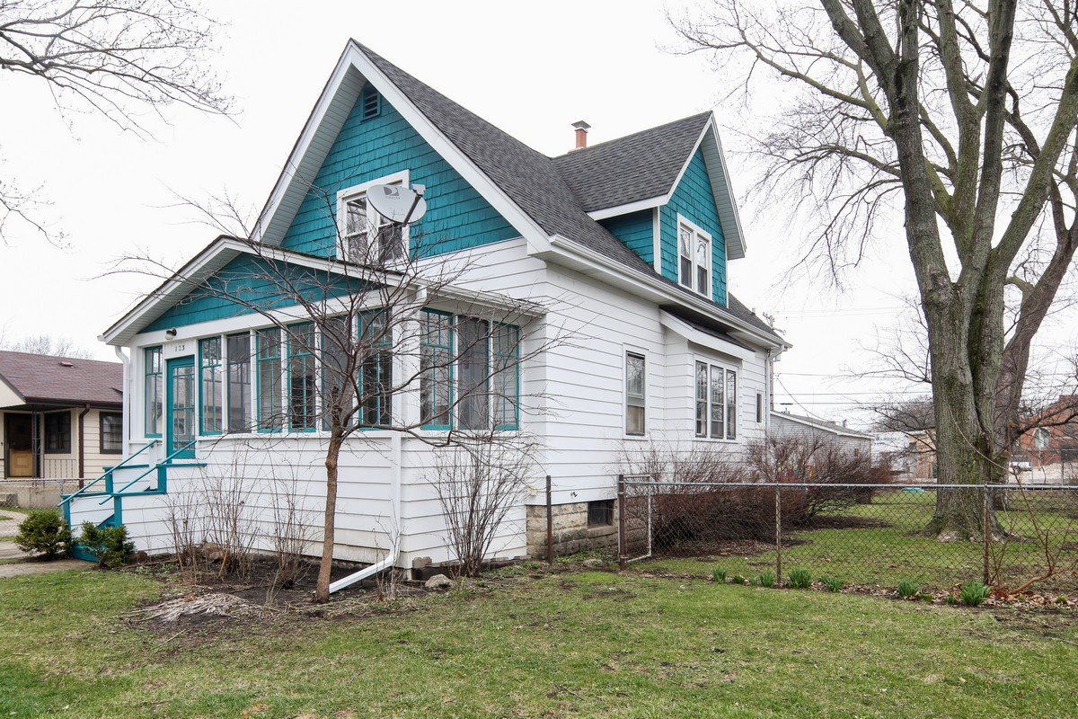 Single Family Home for Sale at 123 N Lincoln St 123 Lincoln St Westmont, Illinois 60559 United States