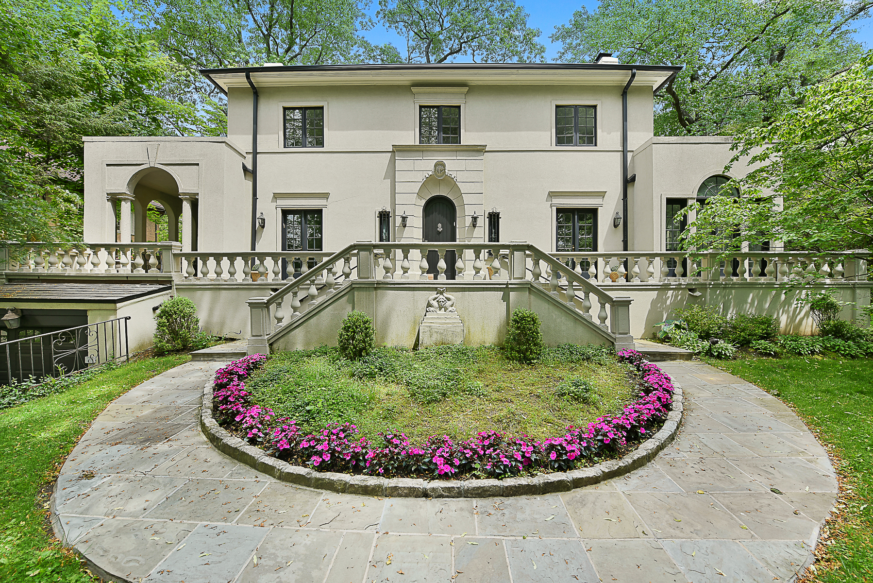 Maison unifamiliale pour l Vente à Historic Fieldston Exceptional Mediterranean Revival 4704 Delafield Avenue Riverdale, Bronx, New York, 10471 États-Unis