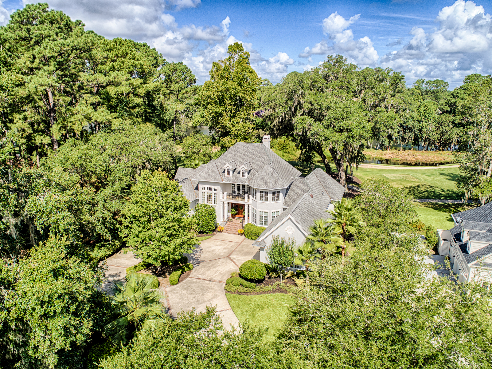 Single Family Home for Sale at 10 Berkeley Court 10 Berkeley Court Bluffton, South Carolina 29910 United States