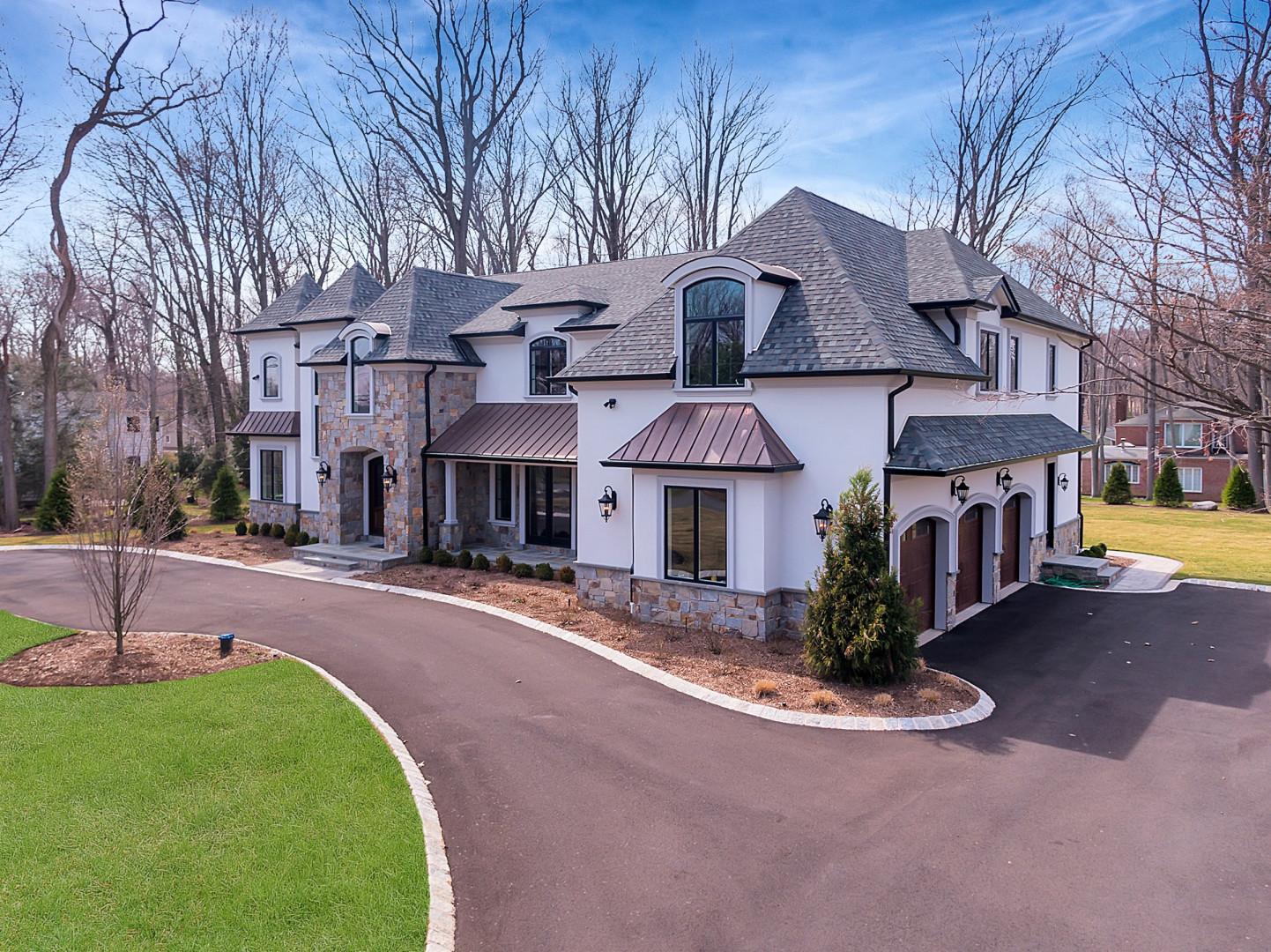 Частный односемейный дом для того Продажа на French Country Manor 7 Shadow Rd Upper Saddle River, 07458 Соединенные Штаты