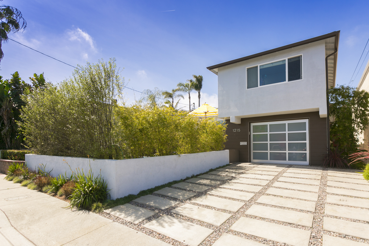 Single Family Home for Sale at 1215 Stanford Redondo Beach, California 90278 United States