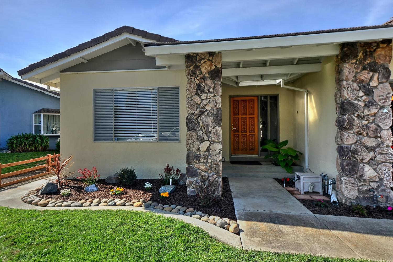 Частный односемейный дом для того Продажа на 1239 Casa Marcia Place Fremont, Калифорния 94539 Соединенные Штаты