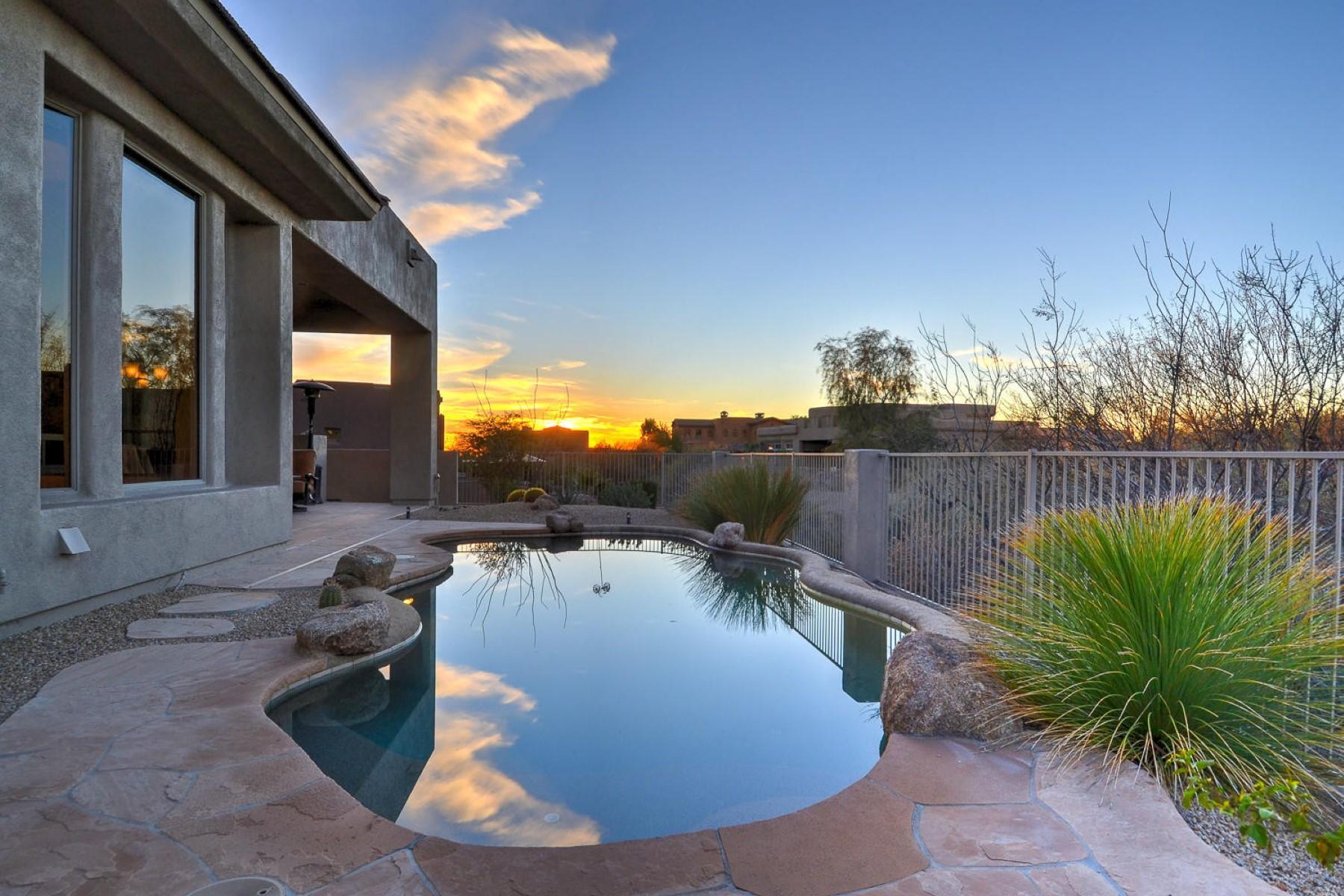 Nhà ở một gia đình vì Bán tại Impeccable North Scottsdale home in Troon North 10910 E Balancing Rock Rd Scottsdale, Arizona, 85262 Hoa Kỳ