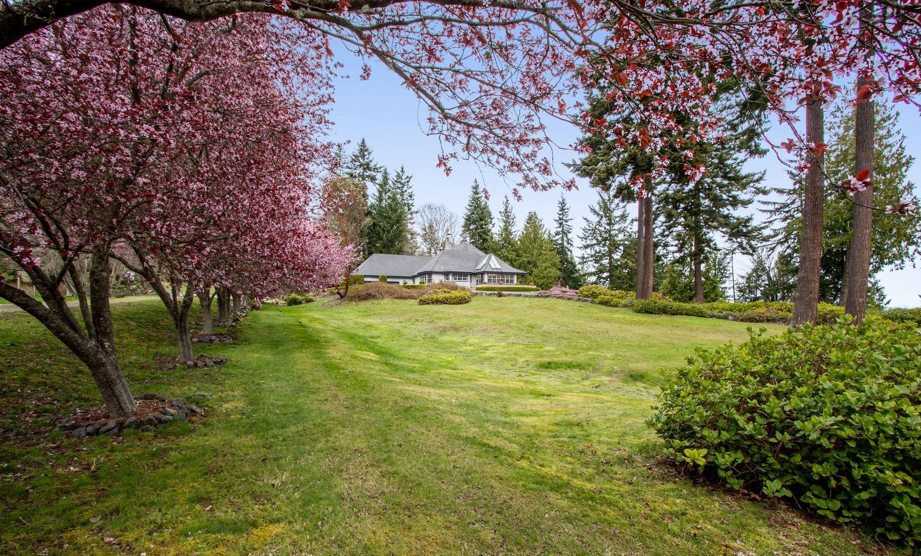 Частный односемейный дом для того Продажа на Waterfront Country Manor 164 Seagull Drive Port Angeles, Вашингтон 98363 Соединенные Штаты
