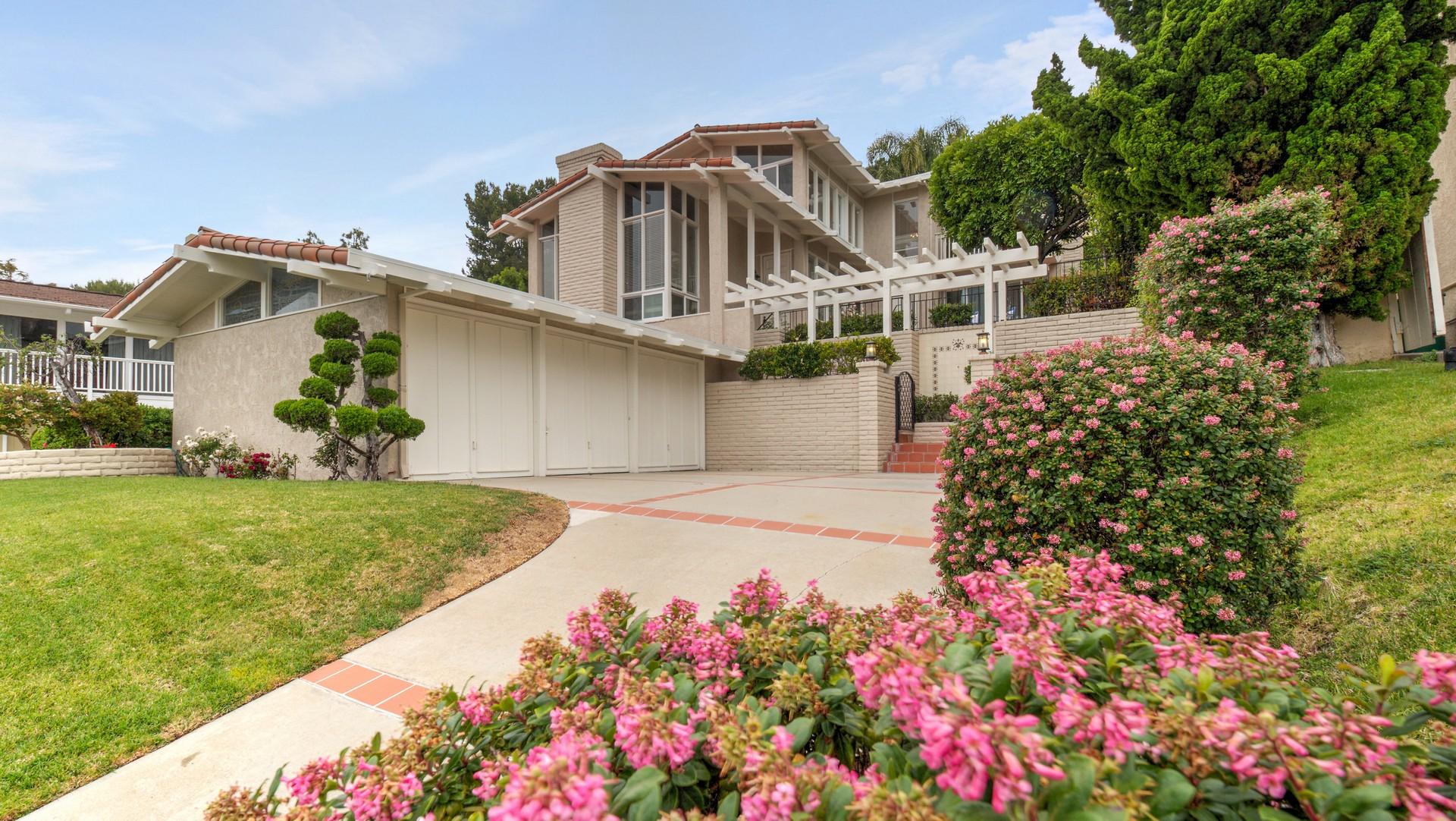 Moradia para Venda às 2524 Via Sanchez, Palos Verdes Estates 90274 Palos Verdes Estates, Califórnia, 90274 Estados Unidos