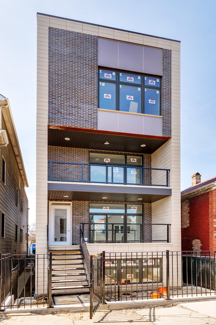 Condominio por un Venta en Beautiful New Construction Duplex-Up in Noble Square 720 N. Willard Court, Unit 2 West Town, Chicago, Illinois, 60642 Estados Unidos