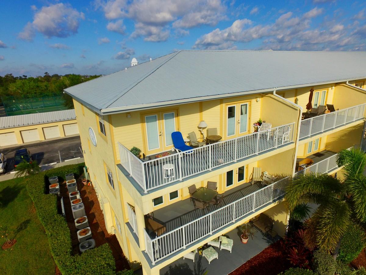 Condominio por un Venta en Inlet at Sebastian 13570 Mystic Drive #301 Sebastian, Florida, 32958 Estados Unidos