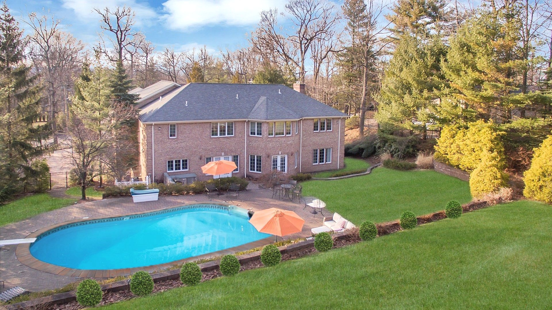 Single Family Home for Sale at Elegant Colonial 290 Devon Road, Tenafly, New Jersey 07670 United States
