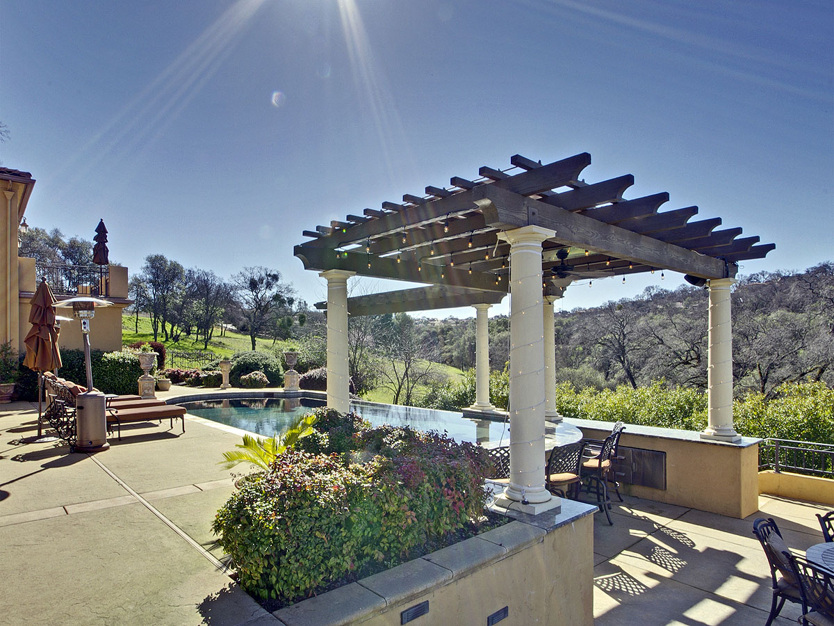 Additional photo for property listing at Luxury Golf Course Estate 7604 Sangiovese Drive El Dorado Hills, California 95762 United States