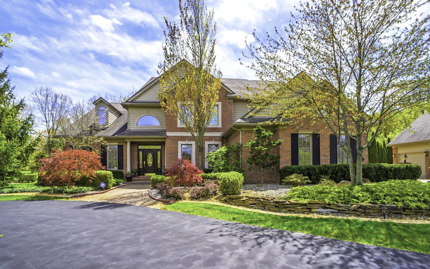 独户住宅 为 销售 在 Milford Township 2775 Tall Timbers Drive Milford, 密歇根州, 48380 美国