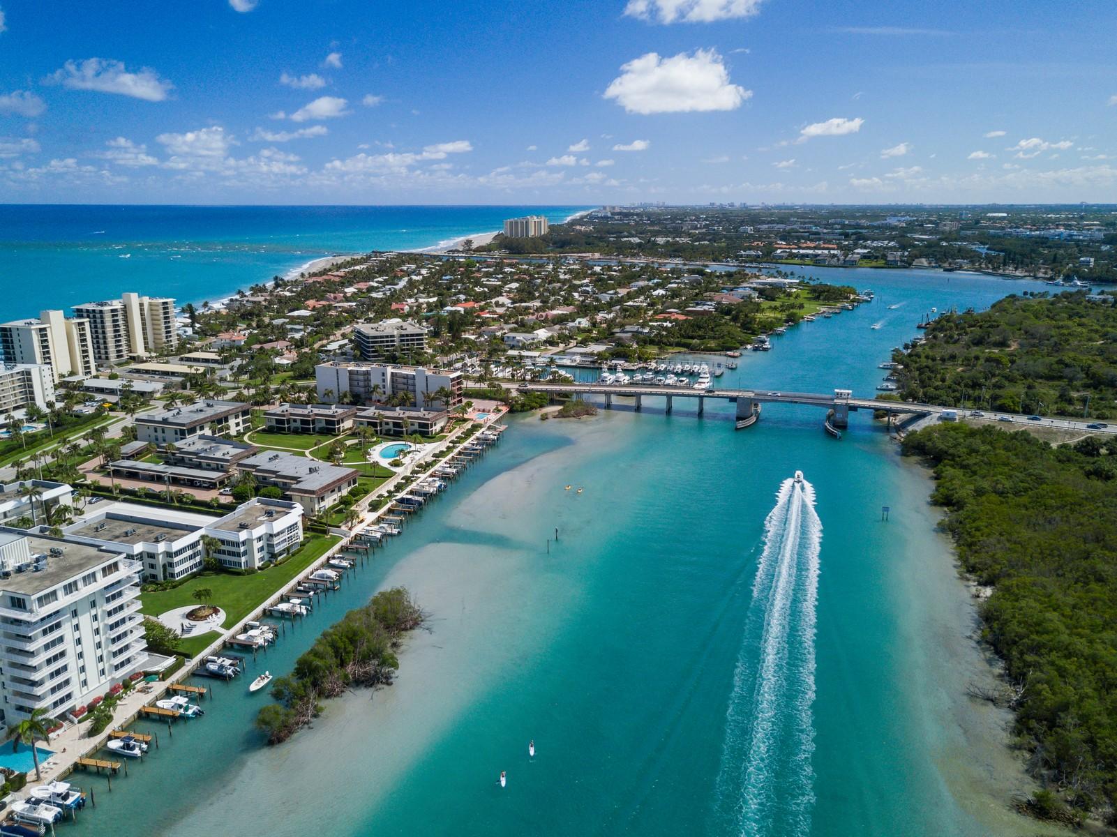 Copropriété pour l Vente à 275 Beach Road C203 Tequesta, Florida, 33469 États-Unis