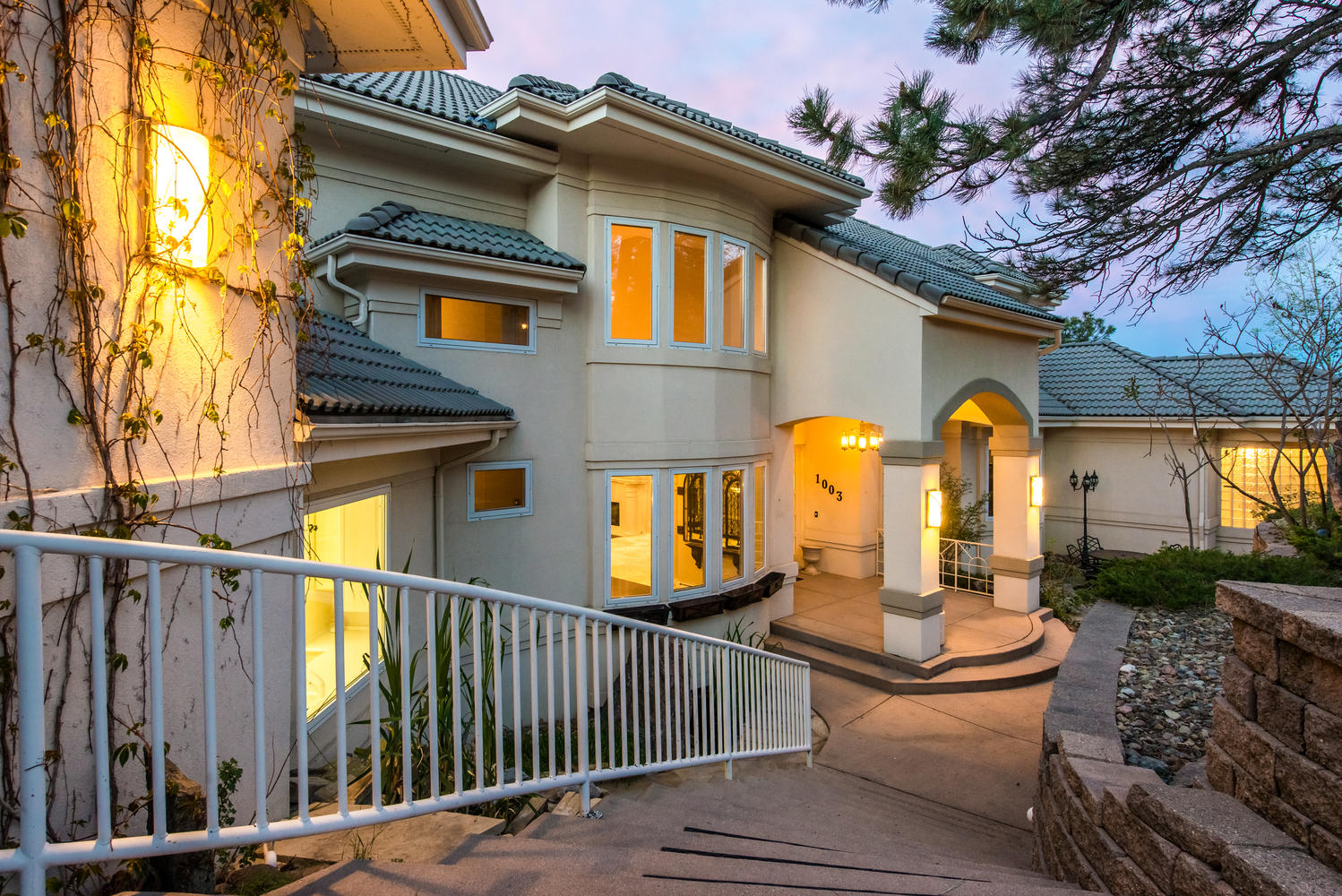 獨棟家庭住宅 為 出售 在 Spectacular Estate with Complete Privacy & Panoramic Views 1003 Star Ridge Road Golden, 科羅拉多州, 80401 美國