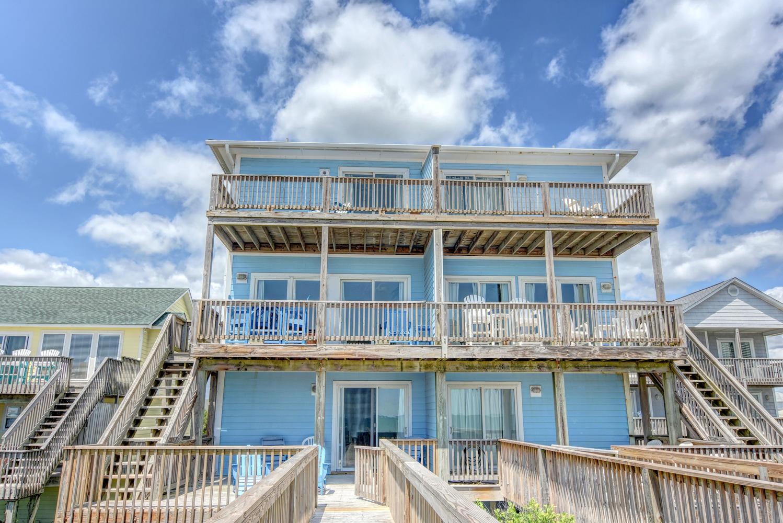 Residência urbana para Venda às Oceanfront Island Home with Inspiring Views 1108 South Shore Drive B Surf City, Carolina Do Norte, 28445 Estados Unidos