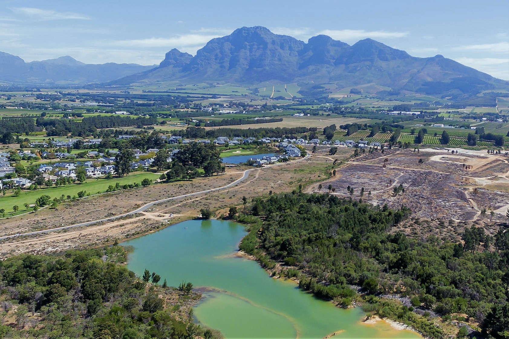 Земля для того Продажа на Nature facing plot on Pearl Valley Paarl, Западно-Капская Провинция, 7646 Южная Африка