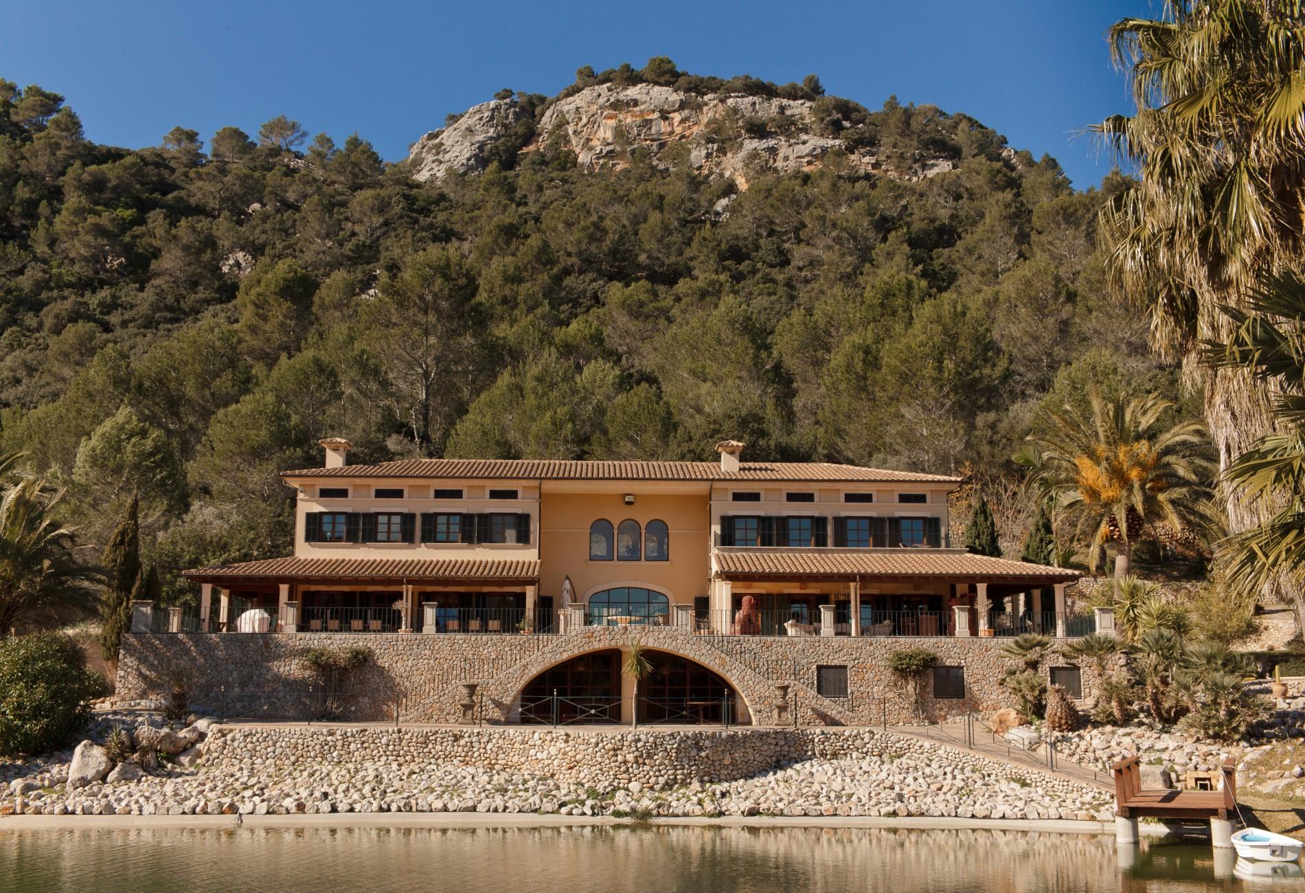 Mehrfamilienhaus für Verkauf beim Einzigartige Luxus-Villa in den Bergen Esporles, Mallorca, 07190 Spanien