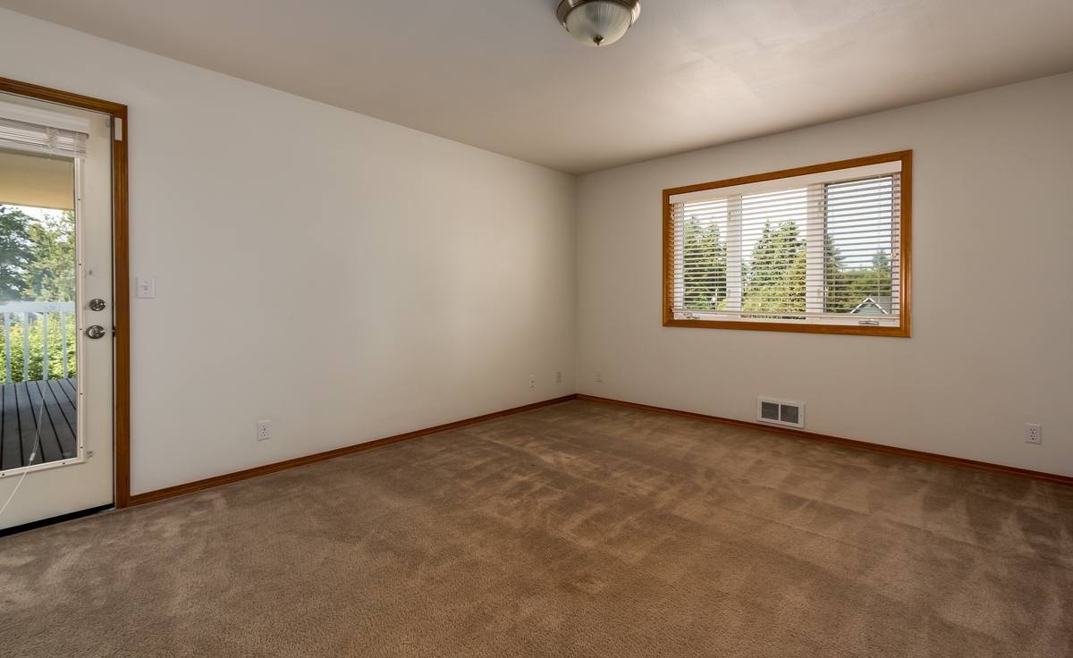 Additional photo for property listing at Olympic View Rambler 37401 Olympic View Drive Hansville, 华盛顿州 98340 美国