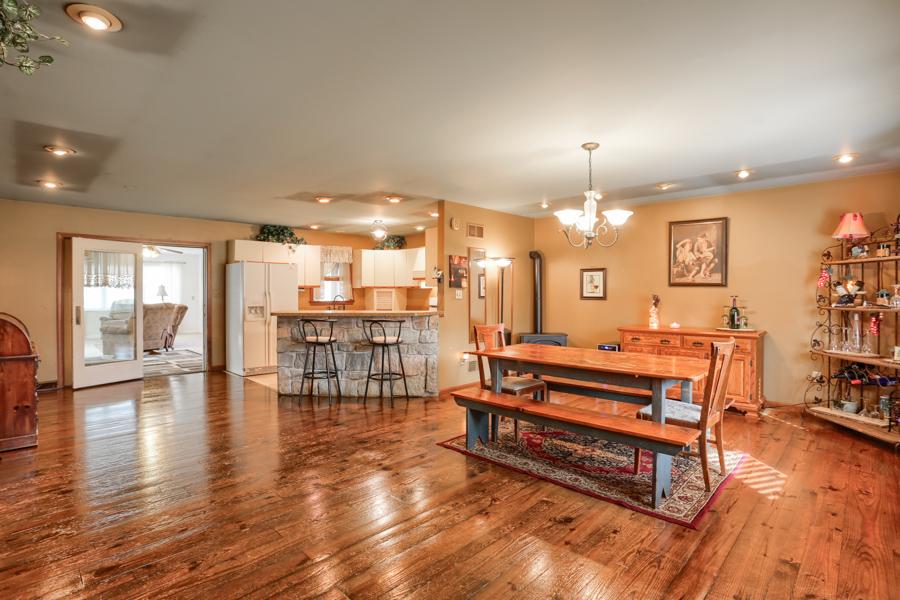 独户住宅 为 销售 在 1143 Rawlinsville Road 柳树街, 宾夕法尼亚州 17584 美国