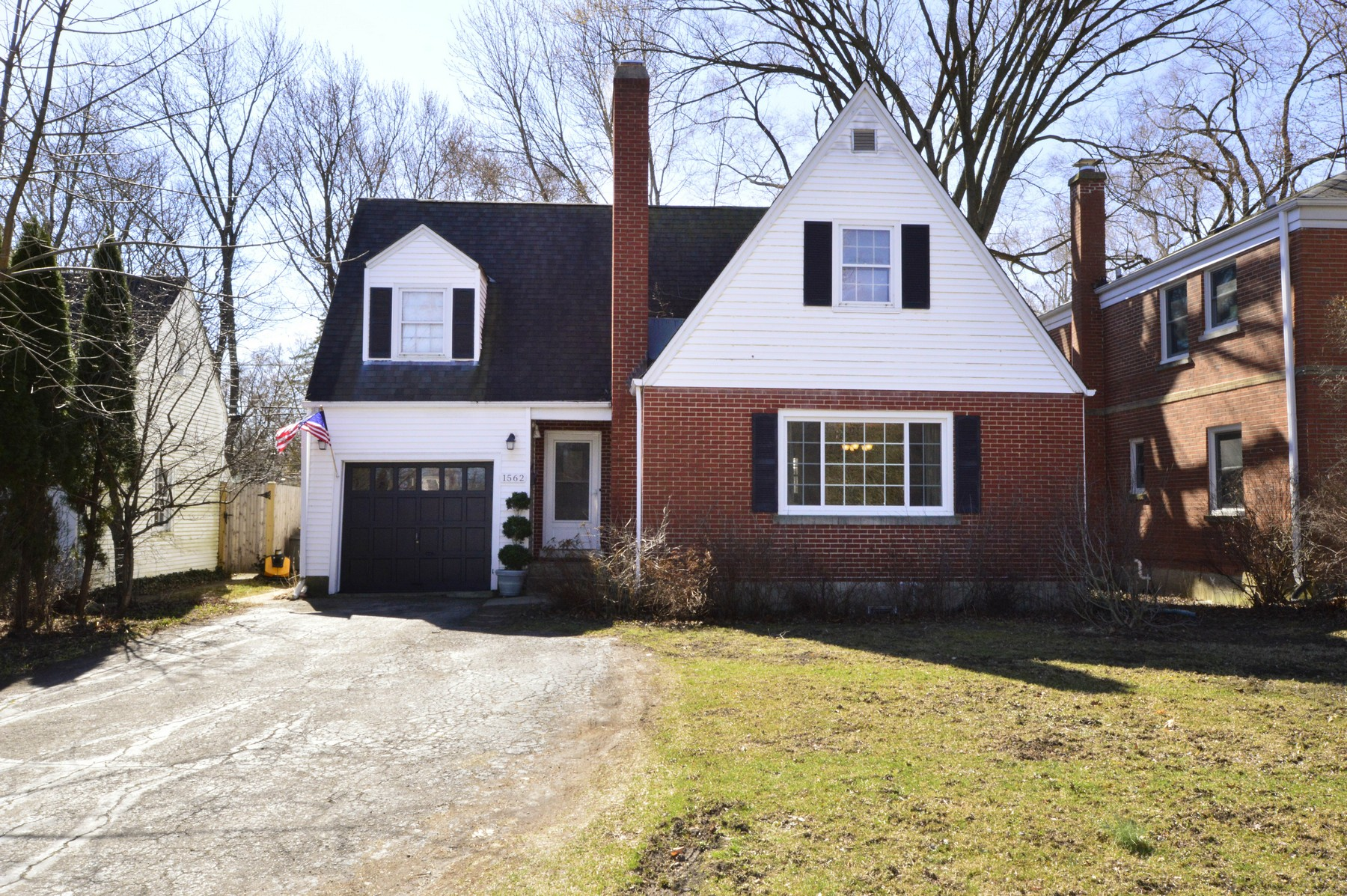 Tek Ailelik Ev için Satış at Modern Amenities Meet Old School Charm 1562 Willow Road Winnetka, Illinois, 60093 Amerika Birleşik Devletleri