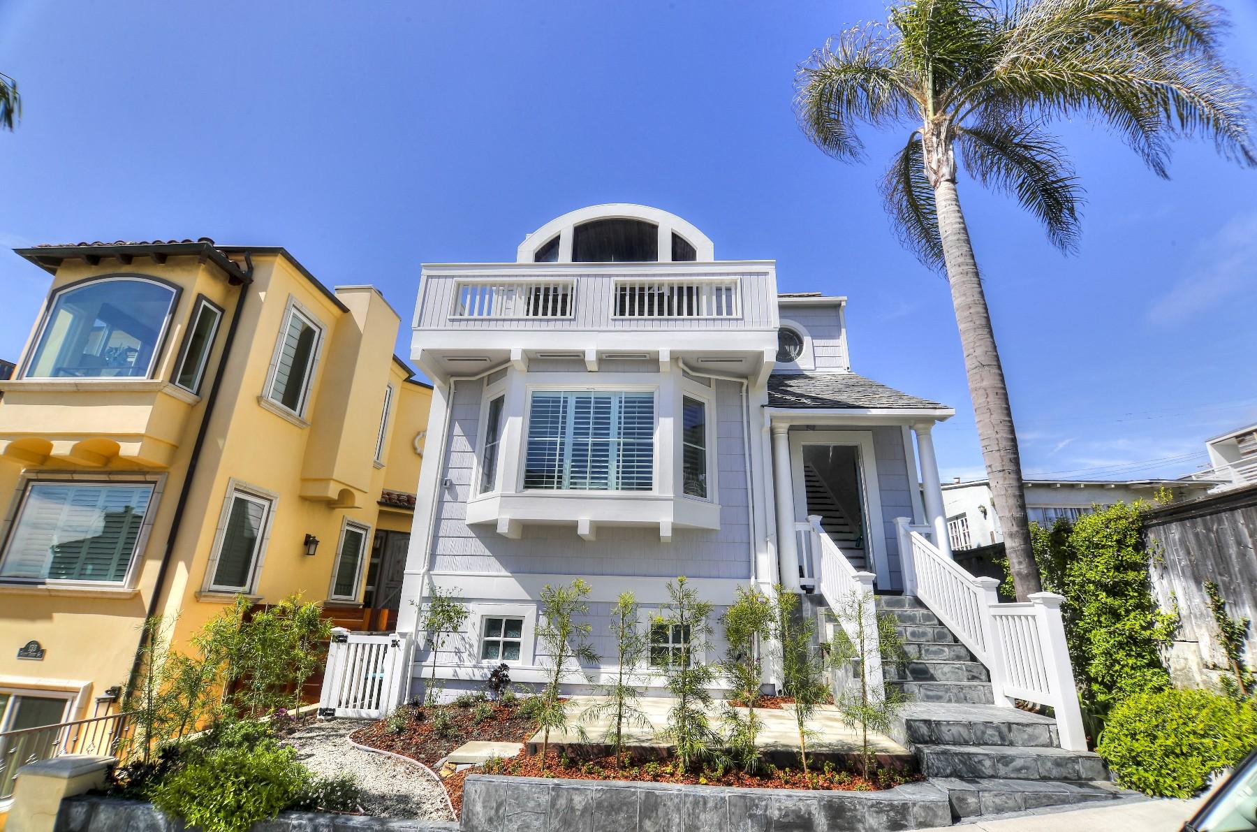 Nhà ở một gia đình vì Bán tại 135 33rd Street Hermosa Beach, California, 90254 Hoa Kỳ