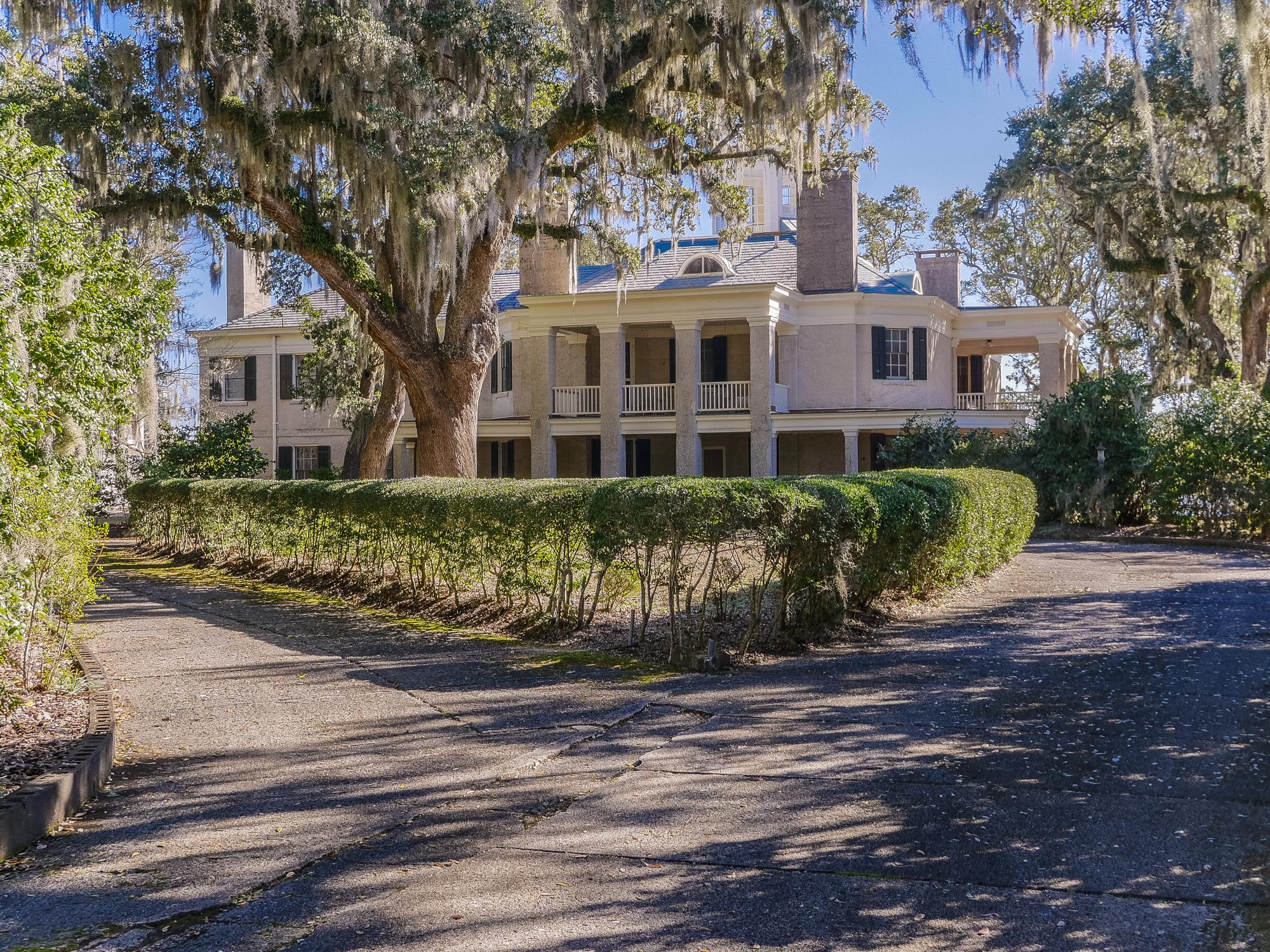 Single Family Home for Sale at 1913 Italian Renaissance Home Designed by Henry Bacon 7521 Masonboro Sound Road Wilmington, North Carolina, 28409 United States