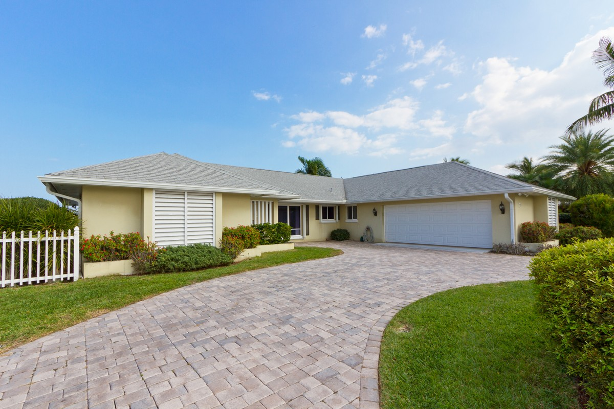 Single Family Home for Sale at Looking for the Perfect Address w/ a Perfect View? 1 Sea Horse Lane Vero Beach, Florida, 32960 United States