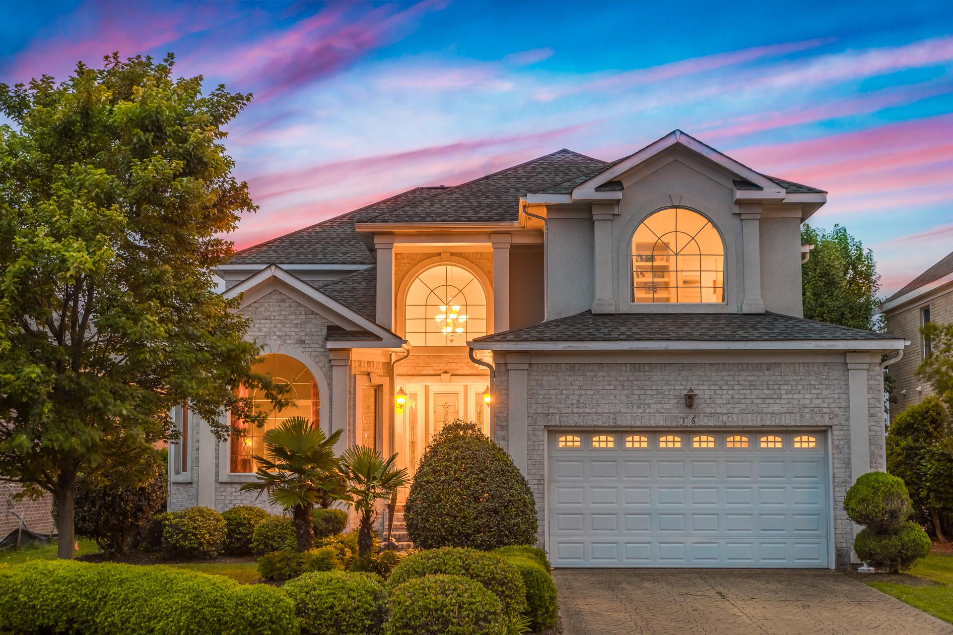 single family homes pour l Vente à POOLES GRANT 16 Brough Lane Hampton, Virginia 23669 États-Unis