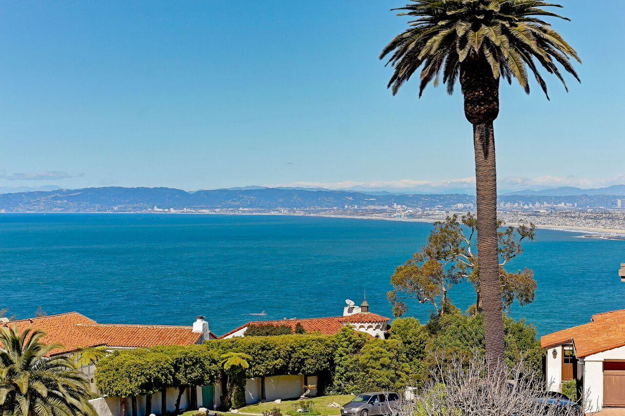 Moradia para Venda às 704 Via Del Monte, Palos Verdes Estates 90274 Palos Verdes Estates, Califórnia, 90274 Estados Unidos
