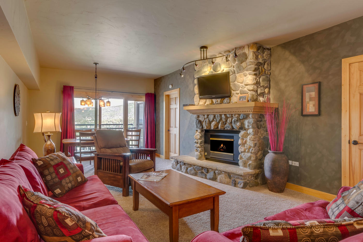 Condominium for Active at Renovated Breckenridge Penthouse - Steps to Slopes & Main Street 645 S. Park Ave Unit 702 Breckenridge, Colorado 80424 United States
