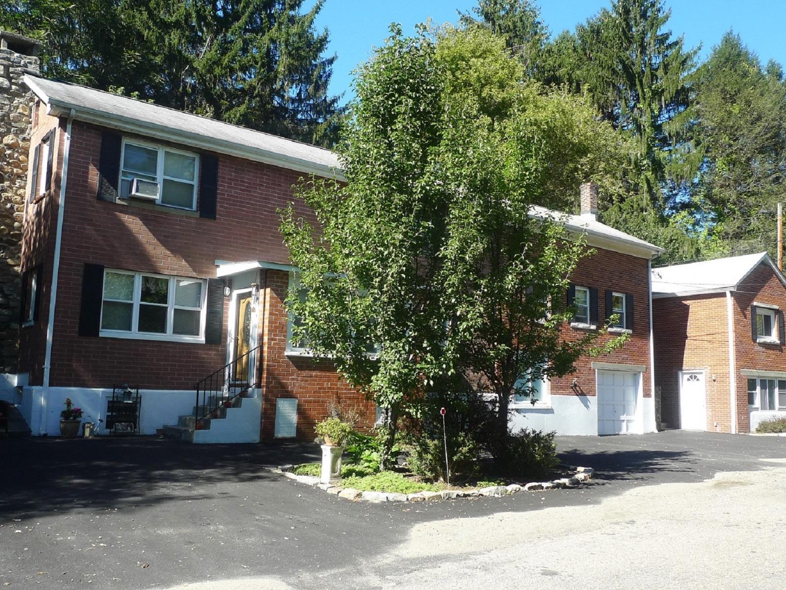 Maison avec plusieurs logements pour l Vente à Old Post Rd Multi-Family 9 Old Albany Post Rd N Cold Spring, New York 10516 États-Unis