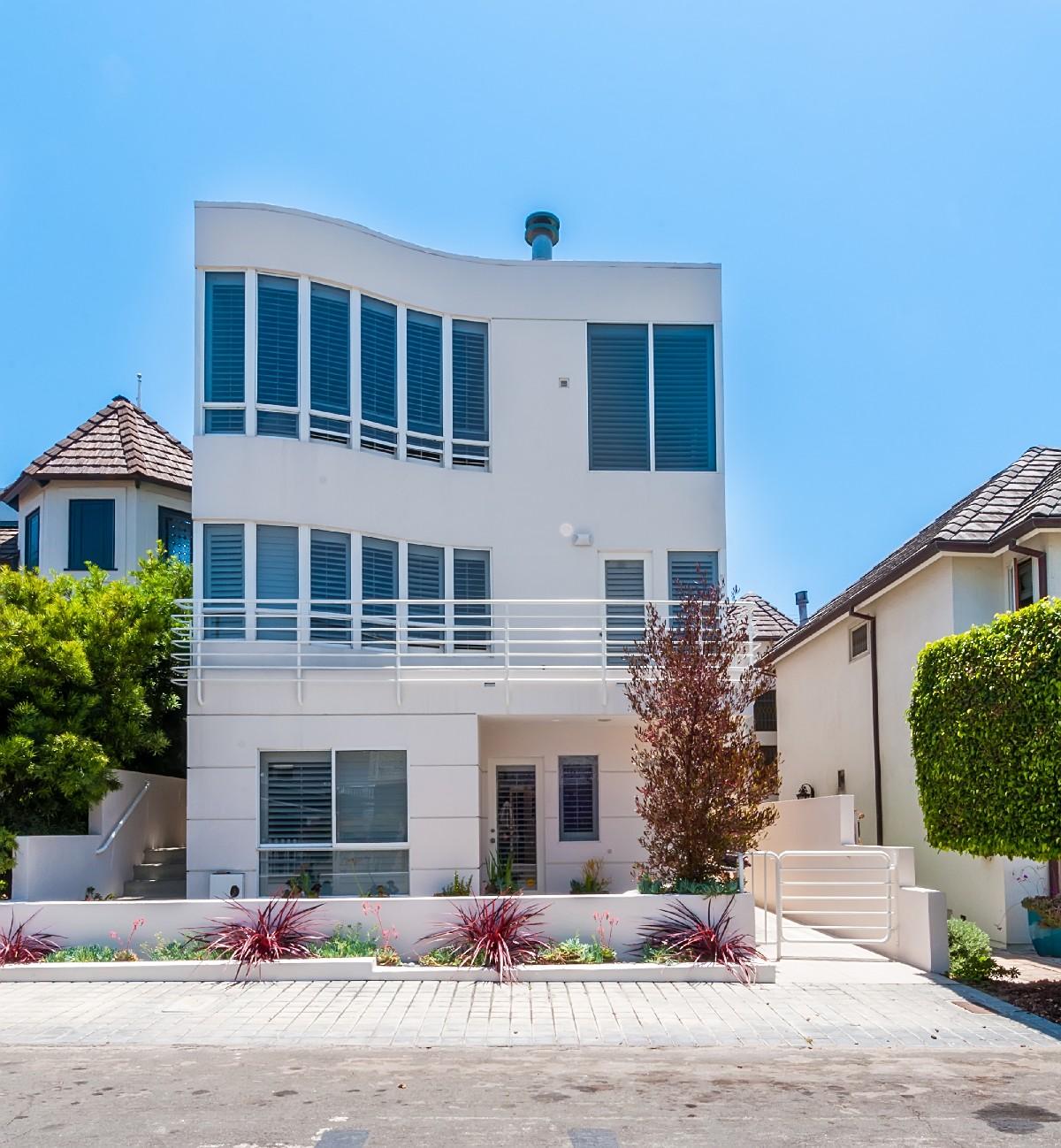 Single Family Home for Sale at 452 27th St, Manhattan Beach 90266 452 27th Street Manhattan Beach, California, 90266 United States