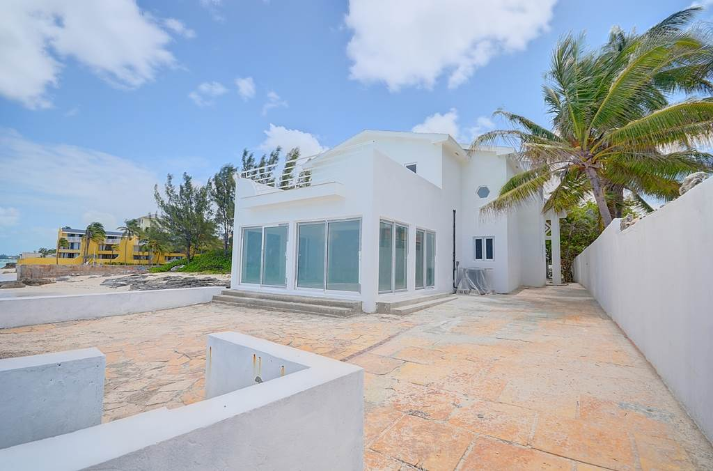 Single Family Home for Sale at Cable Beach Beachfront Villa Cable Beach, Nassau And Paradise Island Bahamas