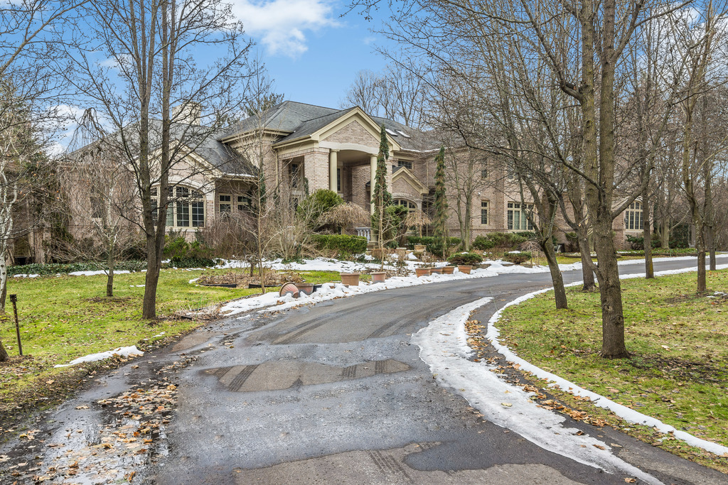 sales property at Bloomfield Hills