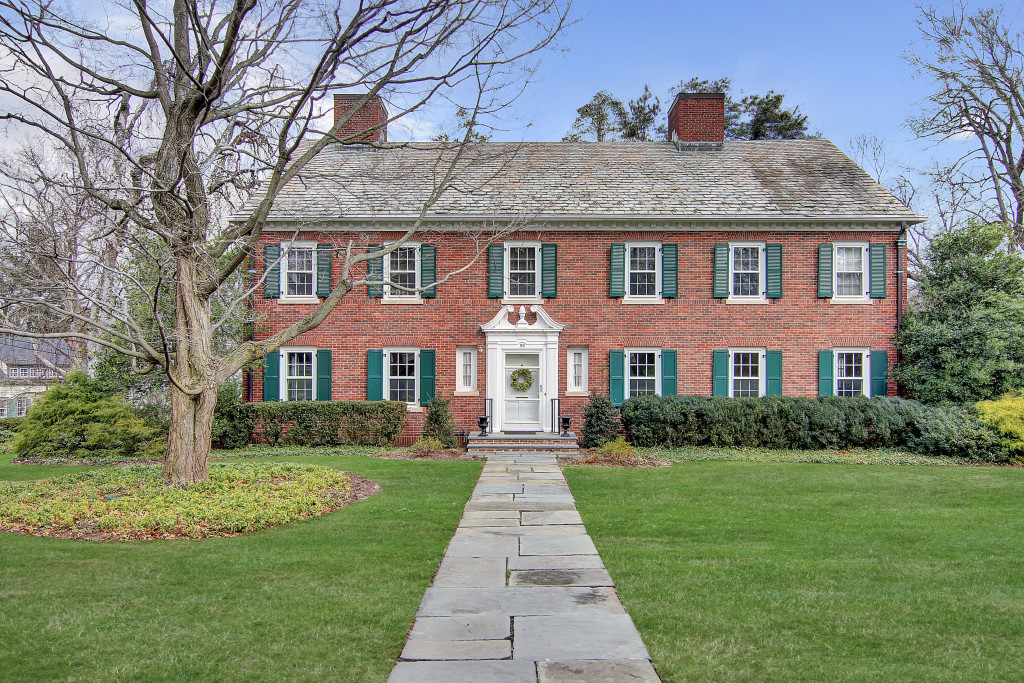 sales property at Georgian Colonial On Summit's Iconic North Side