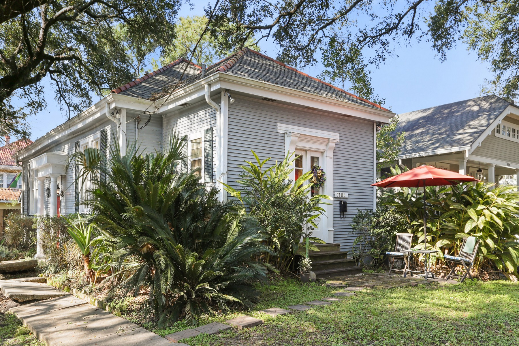 sales property at 7101 Hickory Street