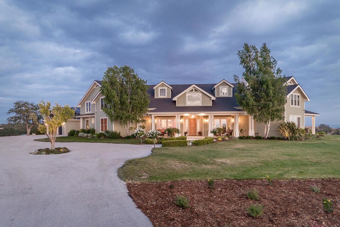 Nhà ở một gia đình vì Bán tại Custom Energy Efficient Home 920 Camino Vina Paso Robles, California, 93446 Hoa Kỳ