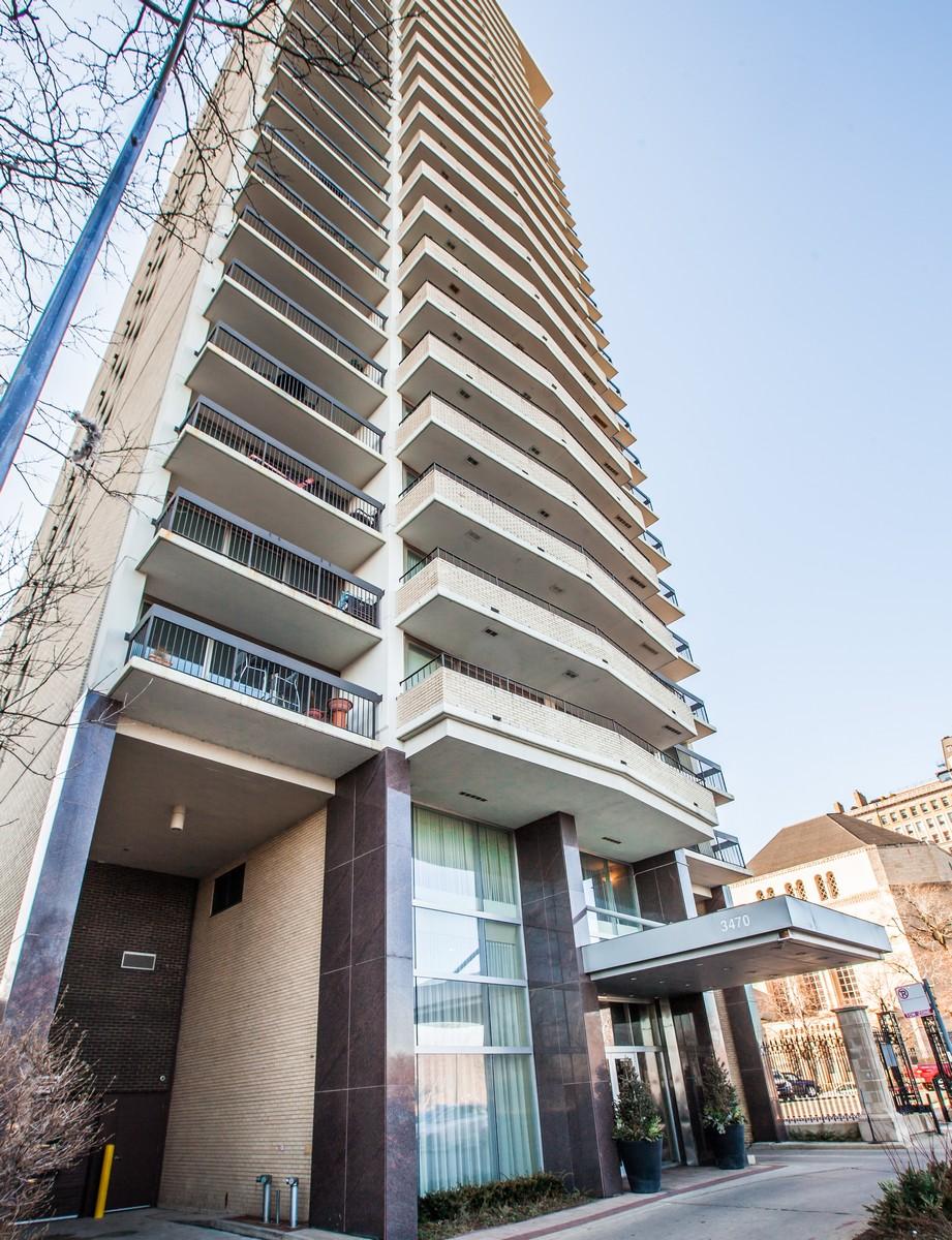 Appartement en copropriété pour l Vente à Location and View 3470 N Lake Shore Drive Unit 18B Chicago, Illinois, 60657 États-Unis