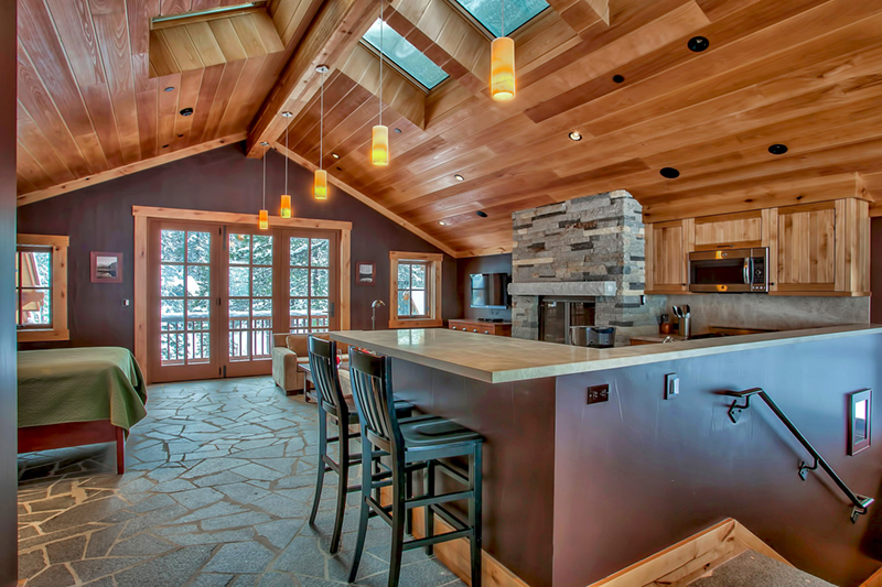 Additional photo for property listing at Custom Built Truckee River Estate 7260 River Road Truckee, California 96145 United States