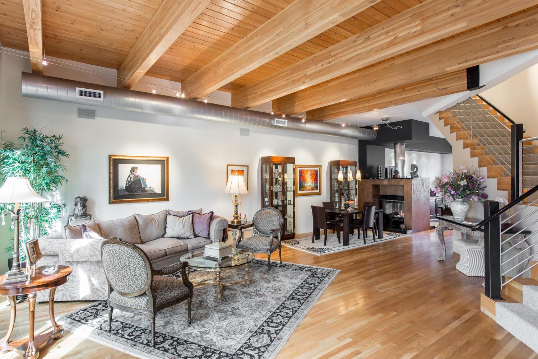 多棟聯建住宅 為 出售 在 Perfect blend of old world charm and modern amenities! 304 Garfield Street Denver, 科羅拉多州, 80206 美國