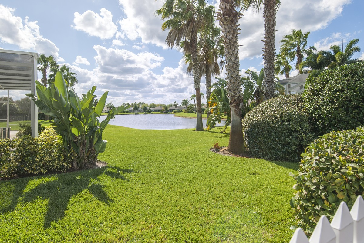 Single Family Home for Sale at There Is No Place Like Home! 638 Brush Foot Drive Sebastian, Florida, 32958 United States