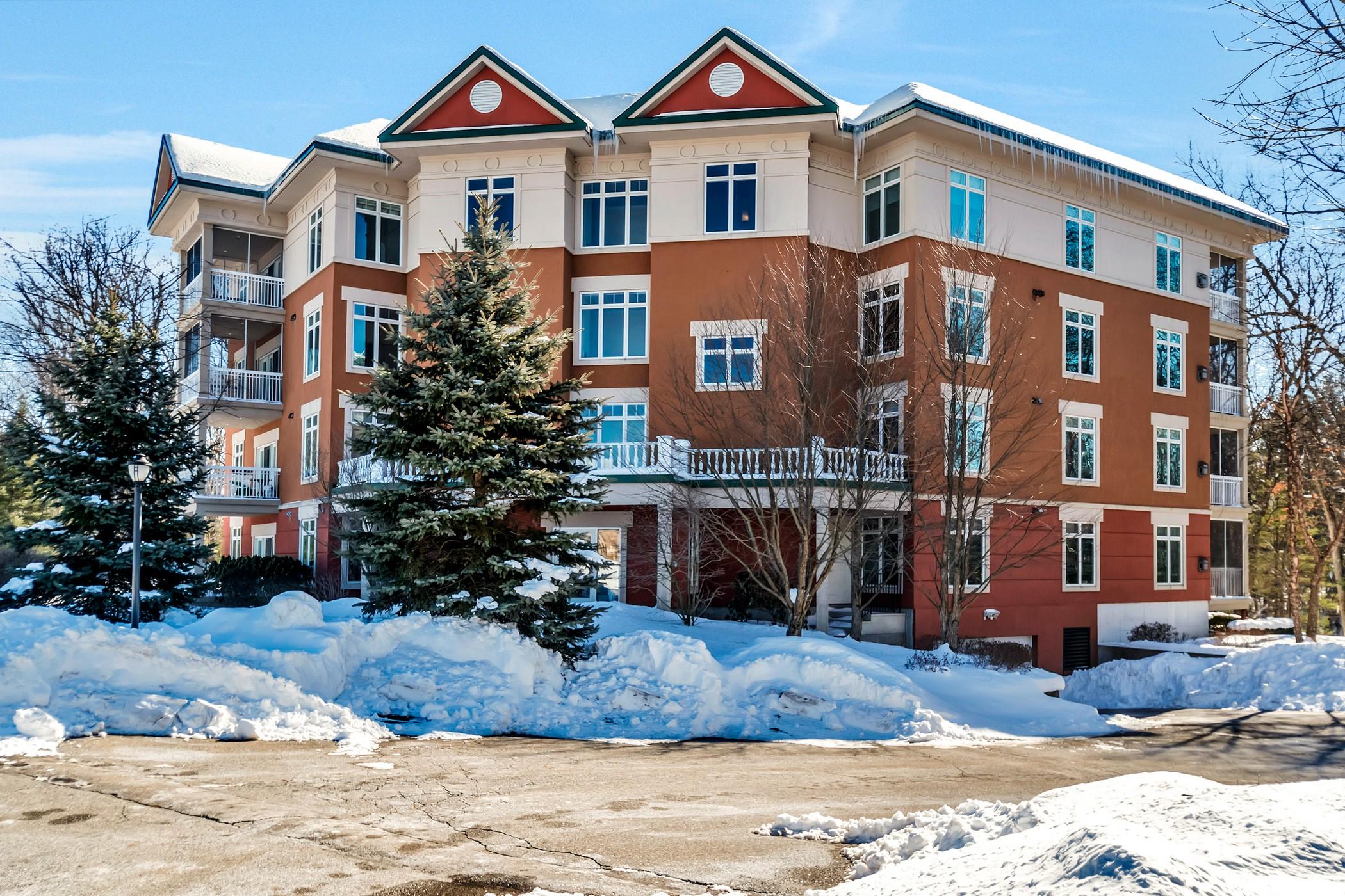 共管式独立产权公寓 为 销售 在 Northwood 20 Northwood Drive, #102 萨德伯里, 马萨诸塞州, 01776 美国