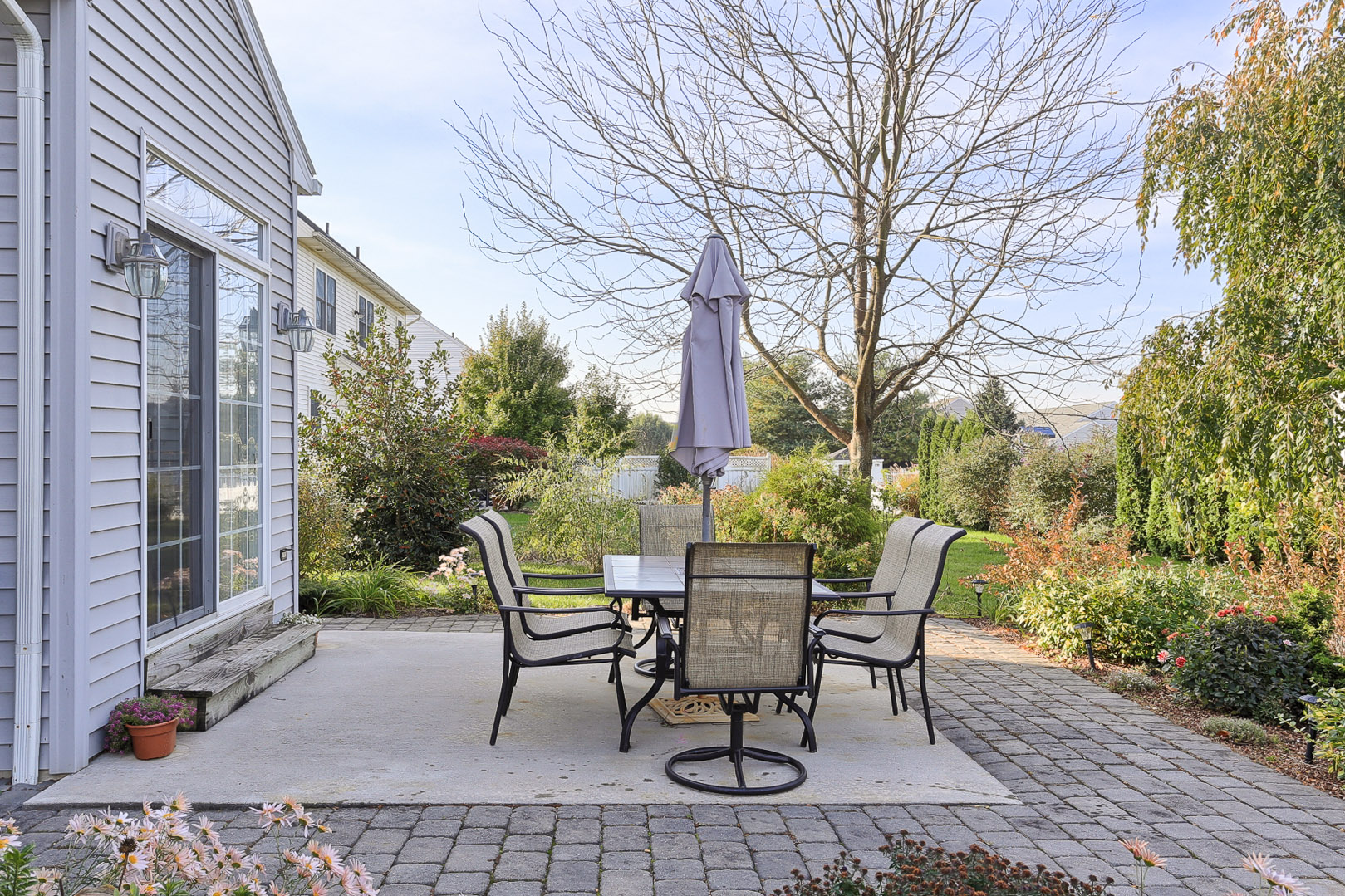 Additional photo for property listing at 324 Bloomfield Drive 324 Bloomfield Drivve Lititz, Pennsylvania 17543 United States