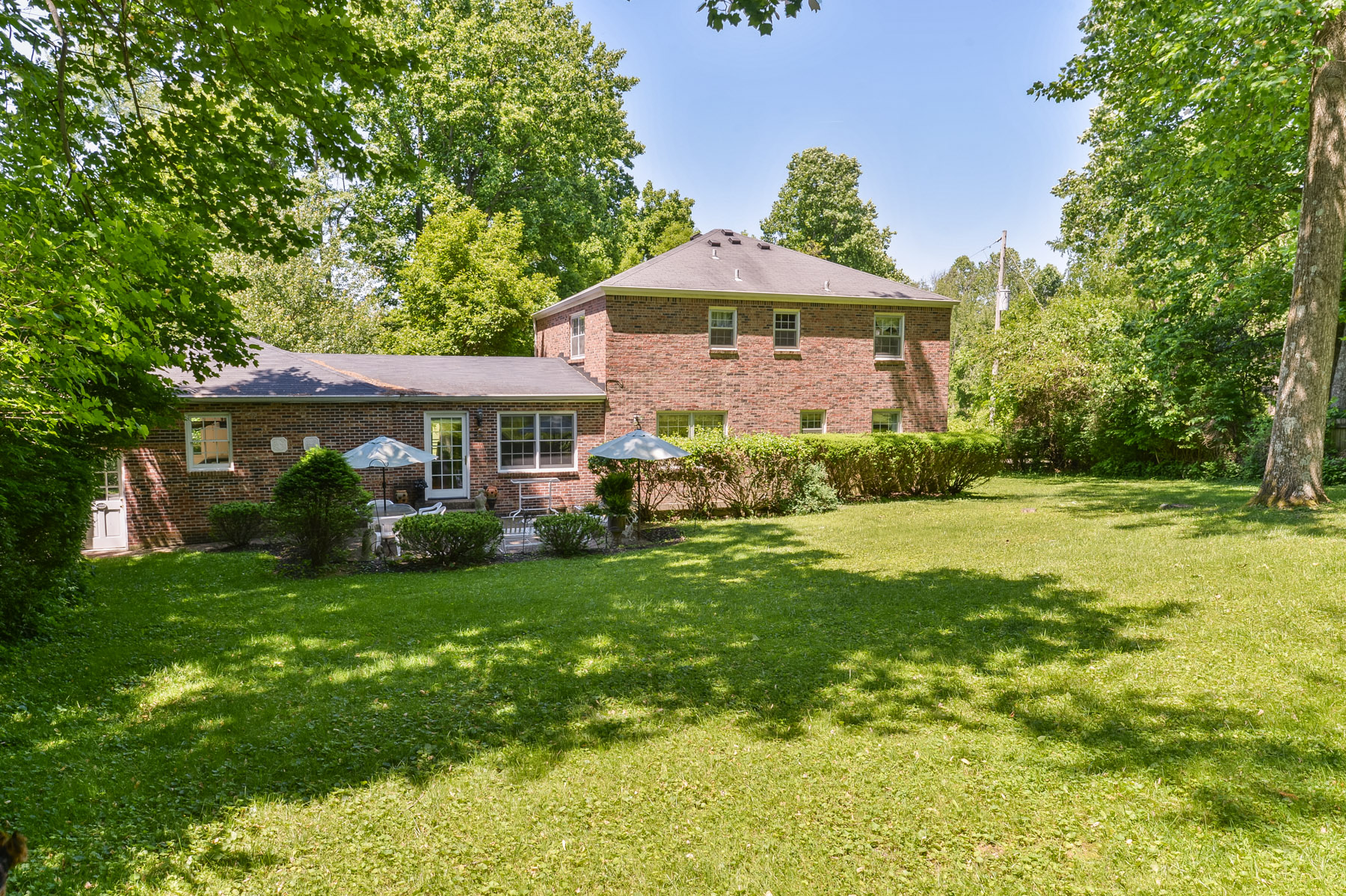 Additional photo for property listing at 11124 Nutwood Road  Anchorage, Kentucky 40223 United States